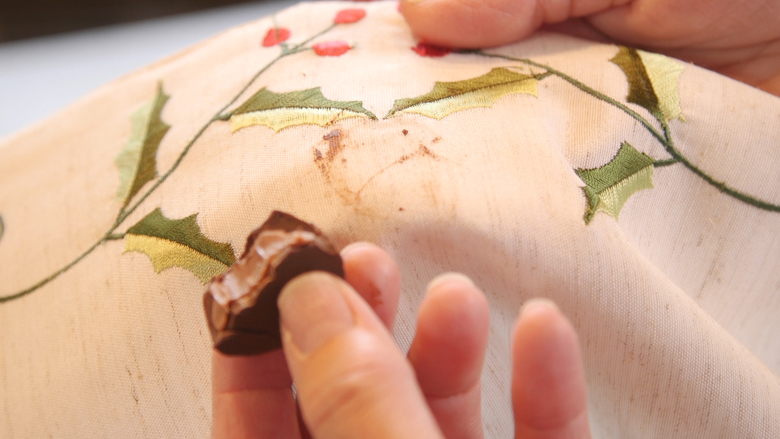 Removing chocolate smudges